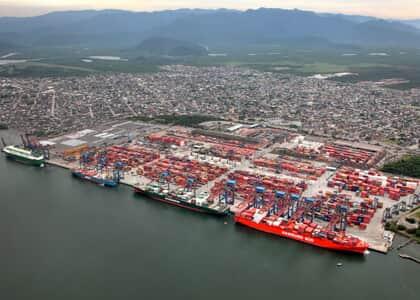 Decreto regulamenta a lei dos portos