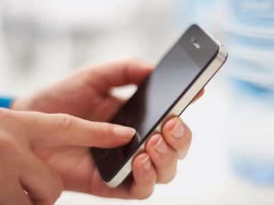 Apple ressarcirá advogada que teve iPhone inutilizado por falta de atualização