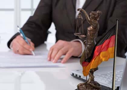 Juiz pede que autora justifique inicial extensa com doutrina alemã para causa de R$ 1 mil