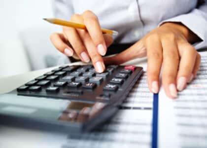 Conselho pode executar dívida quando valor acumulado supera quatro anuidades