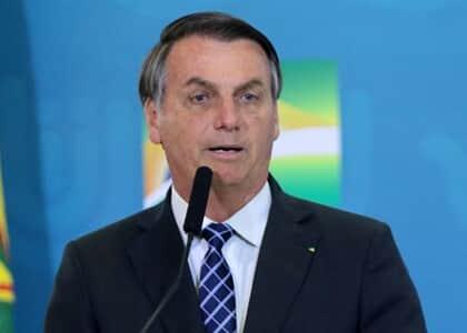 Bolsonaro anuncia sanção, com vetos, do regime jurídico emergencial