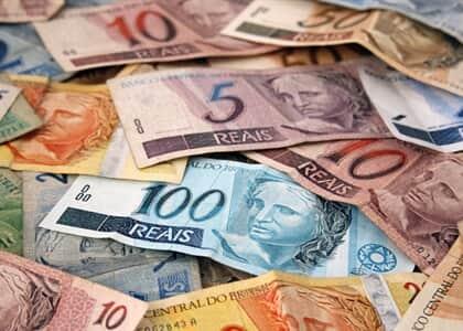 Banco é condenado por descontos indevidos em benefício previdenciário