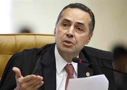 """""""Fofocada produzida por criminosos"""", diz Barroso sobre mensagens da Lava Jato"""