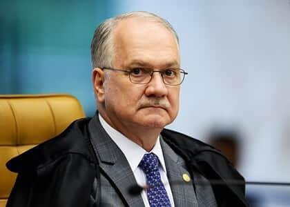 Fachin determina suspensão de operações policiais em comunidades do RJ durante pandemia