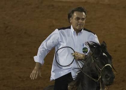 Bolsonaro define que Agricultura é ministério responsável por bem-estar animal em rodeio