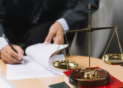 PL inclui advogados na lei de controle de lavagem de dinheiro