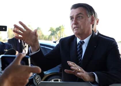 """Em mais um ataque à imprensa, Bolsonaro ofende jornalista: """"queria dar o furo contra mim"""""""