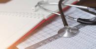 Mulher não consegue mudança de plano de saúde de coletivo para individual