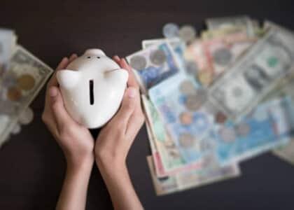 Mulher tem direito a continuar recebendo pensão paga por ex-cônjuge após prazo de acordo