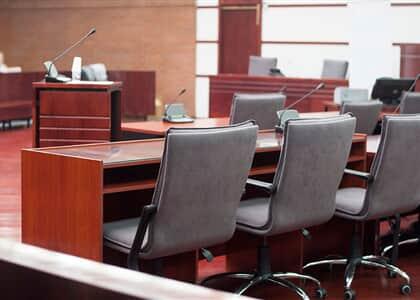 """Membros do MP pedem volta presencial de Tribunal do Júri: """"não devem permanecer suspensas indefinidamente"""""""