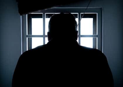 Pandemia: Homem que não foi para o semiaberto por restrições na movimentação de presos consegue domiciliar