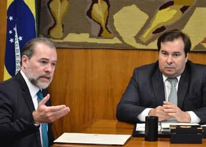 Toffoli entrega a Maia sugestões para desburocratizar os julgamentos do Tribunal do Júri