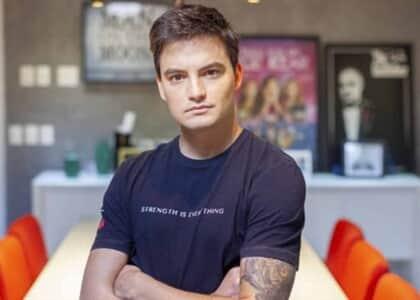 Deputado que associou Felipe Neto a massacre de Suzano é condenado