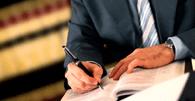 Falta de previsão contratual expressa de dedicação exclusiva gera hora extra a advogado