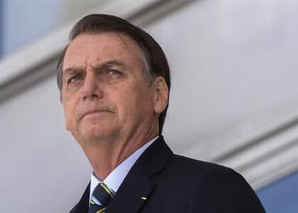 """Bolsonaro diz que exame de Ordem é """"caça-níquel"""""""