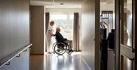 STJ: Assistência domiciliar não pode ser previamente excluída da cobertura dos planos de saúde
