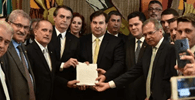 Bolsonaro entrega proposta da reforma da Previdência ao Congresso