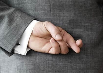 Promotor que requereu vínculo empregatício como professor é condenado por má-fé