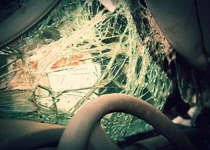 Hyundai deve indenizar casal por falha no acionamento de airbags em acidente
