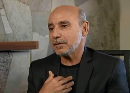 STF suspende investigação contra Queiroz