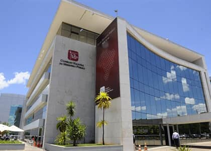 CNMP tem maioria por arquivar reclamação contra Dallagnol; vista adia decisão