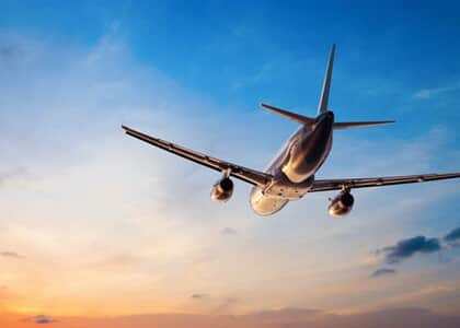Cia aérea consegue redução de danos morais de R$ 12 mil para R$ 1,2 mil