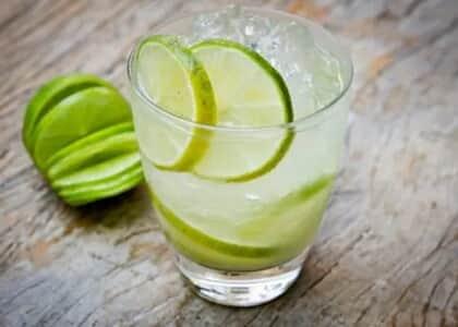 Cliente que processou bar por caipirão de vodka pequeno demais é condenado por má-fé