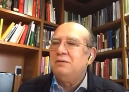 """Gilmar se desculpa por soltar """"porra"""" em live: """"dor nas costas + idoso confuso com tecnologia"""""""