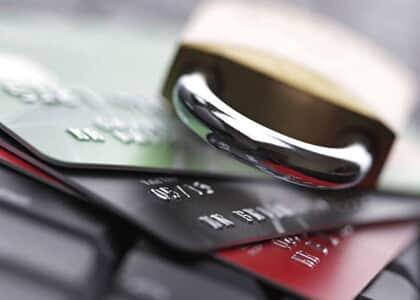 Banco deve indenizar empresa por bloquear conta sem aviso prévio