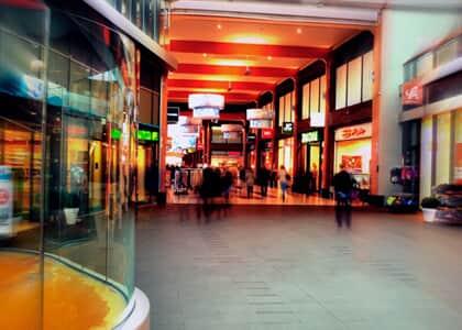 Lojas conseguem redução de aluguel proporcional às fases de reabertura do comércio em shoppings paulistas