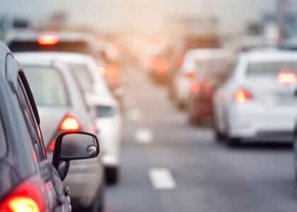 No trânsito, veículos maiores têm responsabilidade sobre menores, diz juiz ao condenar motorista