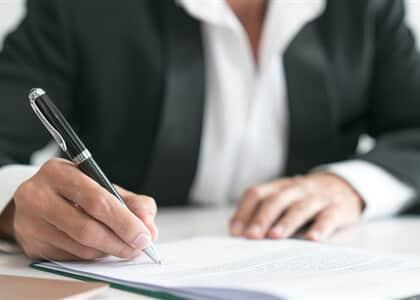 Rescisão de contrato de alienação fiduciária deve ser regida por legislação especial