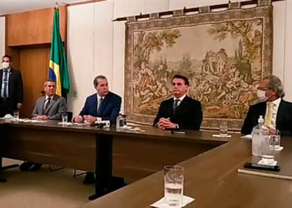 Bolsonaro aparece no STF com Guedes e empresários para audiência com Toffoli