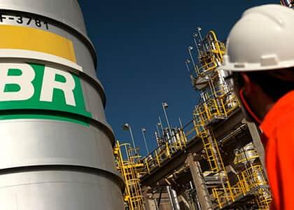 Promulgada EC que permite leilão de novas áreas de exploração de petróleo