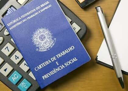 Banco indenizará aposentado induzido a assinar serviços desnecessários