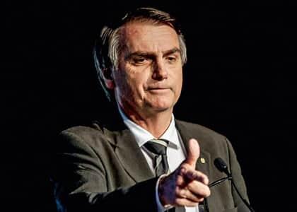 Procuradora diz que Bolsonaro violou a Constituição ao determinar revogação de portarias de armas