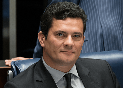 Moro promete pensar na proposta de Bolsonaro sobre STF e Ministério