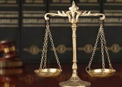 Filho processa mãe por assassinato de pai e consegue indenização milionária