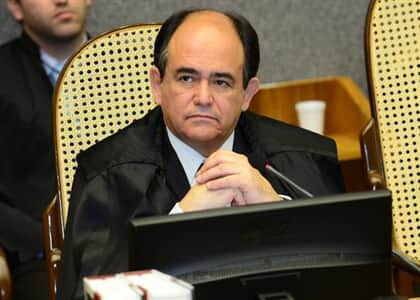 STJ reduz danos morais contra distribuidora por protesto indevido de valores