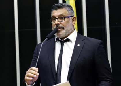 Deputado Alexandre Frota tem salário penhorado para pagamento de honorários