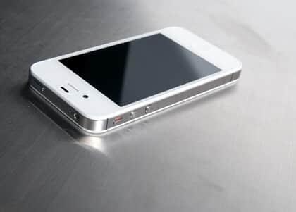 Carrefour não precisa vender iPhone por preço anunciado errado