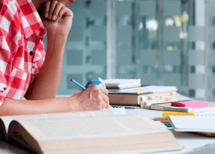 Universidade indenizará alunos do Fies por cobranças indevidas
