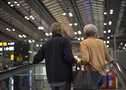 Casal de idosos poderá remarcar passagens aéreas sem custo adicional
