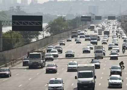 Justiça de SP nega suspender rodízio ampliado de veículos