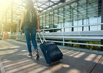 Companhia aérea indenizará família por extravio de bagagem