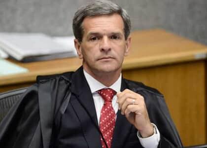 Advogados destituídos na véspera de acordo podem executar sucumbência na própria ação