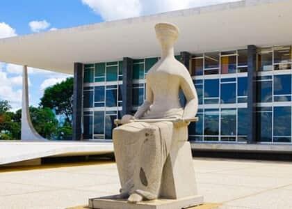STF cassa decisão que julgou lícito Receita compartilhar com MP dados obtidos sem autorização judicial