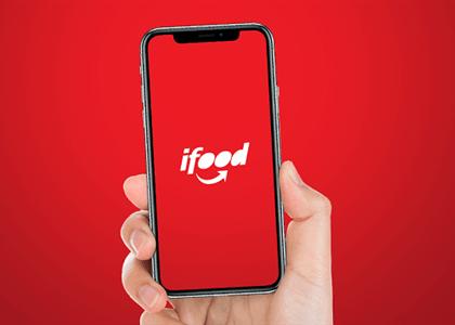 iFood tem responsabilidade subsidiária por vínculo de motoboy com operadora logística