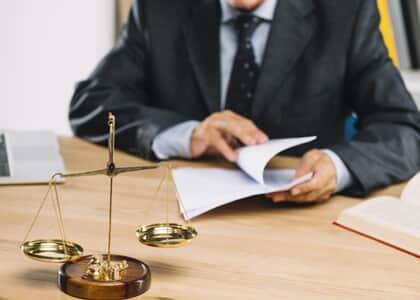 Suposto autor alega não conhecer advogados e juiz oficia OAB