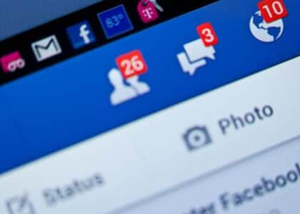 Jovens que reclamaram de bar no Facebook devem pagar dano moral